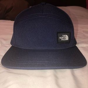 NWT the North Face navy blue SnapBack hat